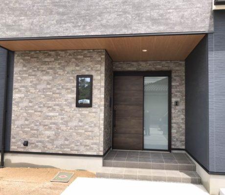 ロフト付き二世帯住宅の家